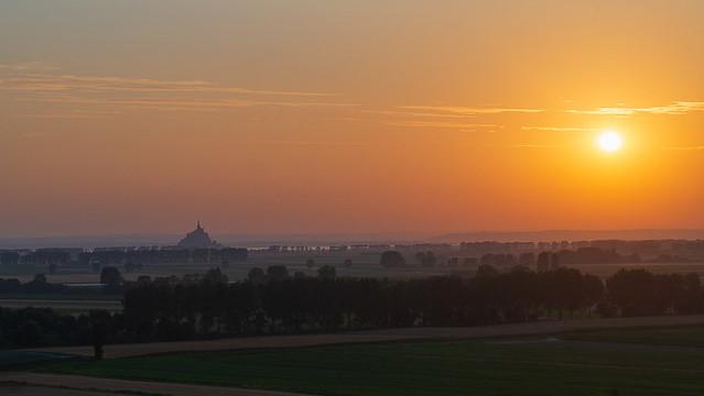 Le jour se lève, Mont Saint Michel