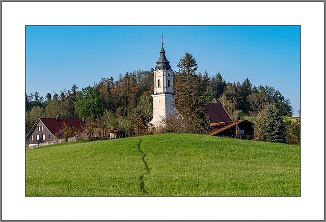 Pfad zur Kirche (Path to the church)