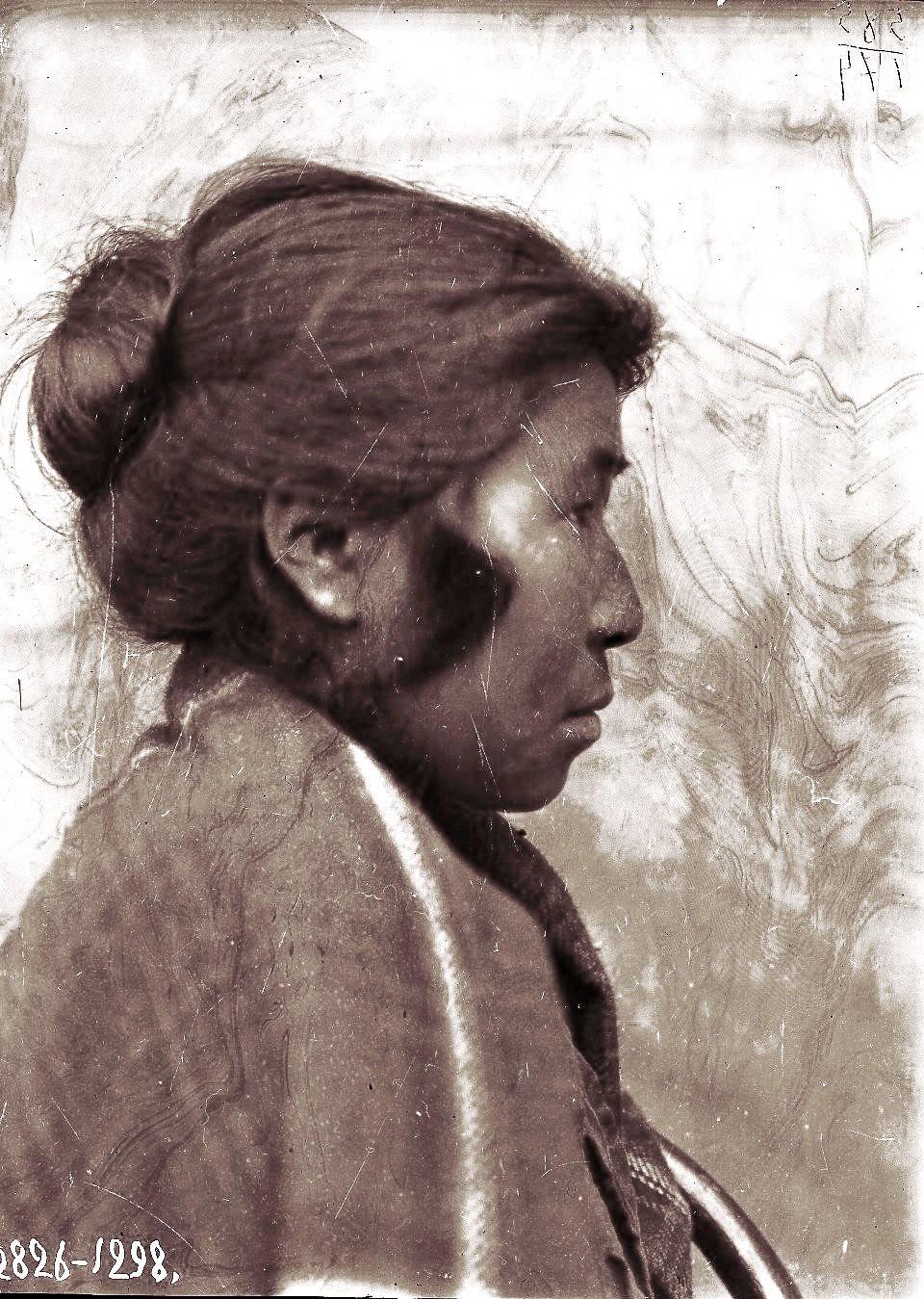 1909. Сентябрь. Агафья Пошехонова (профиль). Андреяновские острова, Атка остров (1)