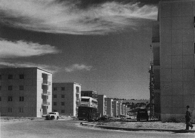 Av. D. Rodrigo da Cunha em construção, Lisboa (Arq. Fotográfico da C.M.L.)