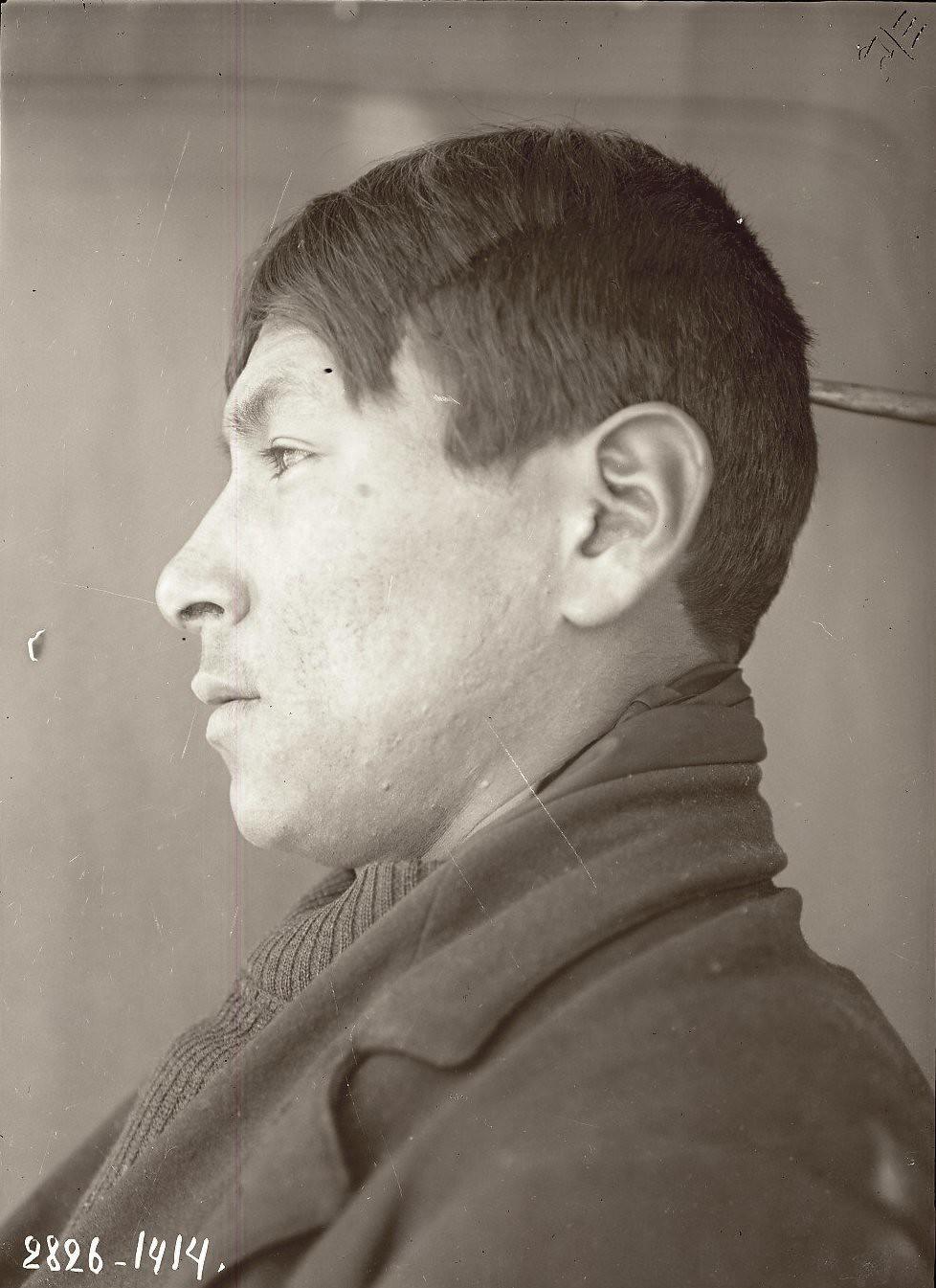 1909. Март - апрель. Александр Петухов (профиль). Уналашка остров, селение Уналашка