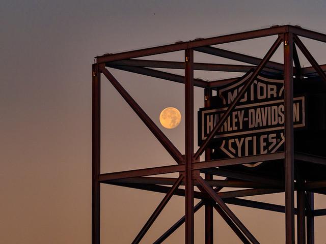 7.25.2021 Moonset
