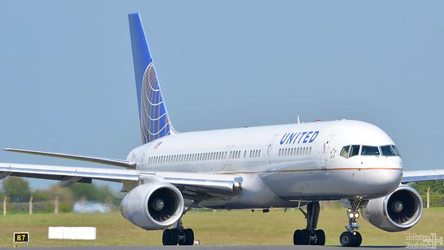 United Airlines 🇺🇸️ Boeing 757-200 N14115