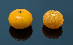 Wikipedia picture of the day on July 26, 2021: Clementines u2013 peeled and unpeeled Learn more.