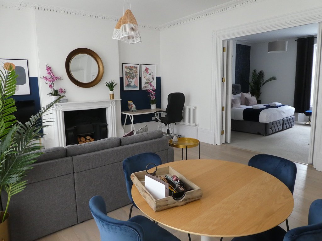 Open plan living at 3 Frederick Place, Bristol