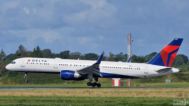 Delta Air Lines 🇺🇸 Boeing 757-200 N537US