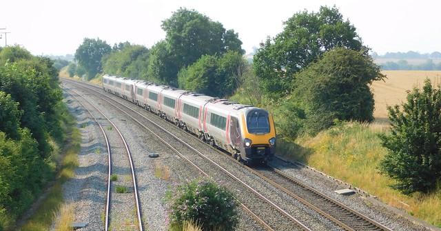221119 + 220021 - Elford, Staffordshire
