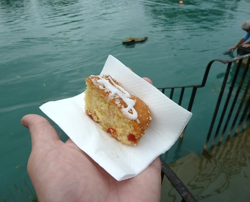 Boat and cake