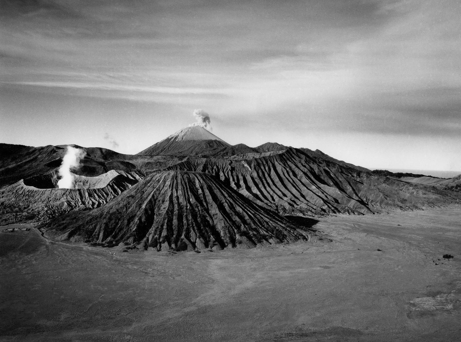 Giles Caldicott Photography: travel photographer   Volcanoes landscape