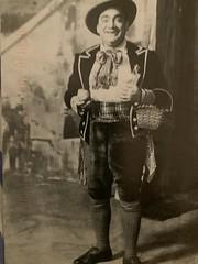 Enrich Caruso as Nemorino in Donizettiu2019s Lu2019Elisir du2019Amore. The Old Met. NYC.