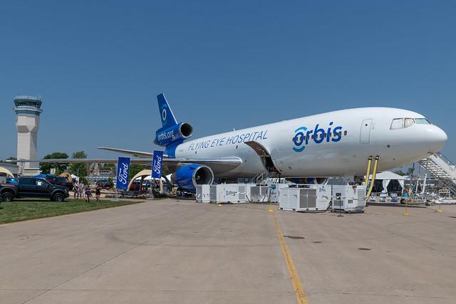 N330AU McDonnell Douglas MD-10-30F 46800 KOSH