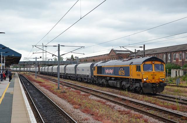 66725 passes Doncaster working 6M17 Doncaster Decoy - Peak Forest