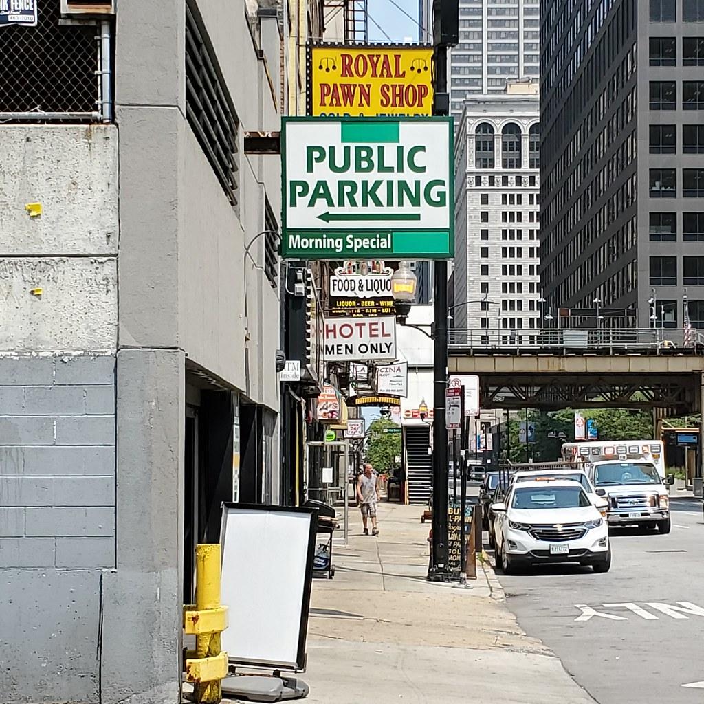 400 Block of South Clark Street