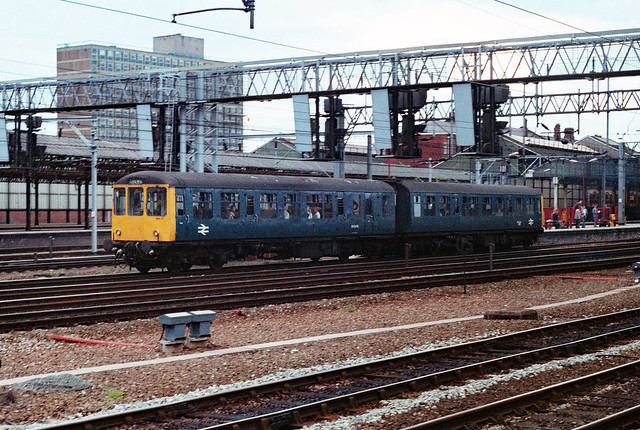 SCANNED 35mm NEGATIVE : 53476 at Crewe on 17th May 1989