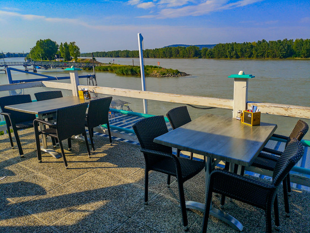 Outdoor restaurant at the riverfront.