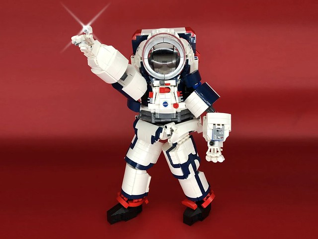LEGO NASA Artemis Spacesuit