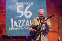 Bill Frisell Trio© lolo vasco_ Trinitate Plaza Keler_56 Jazzaldia002