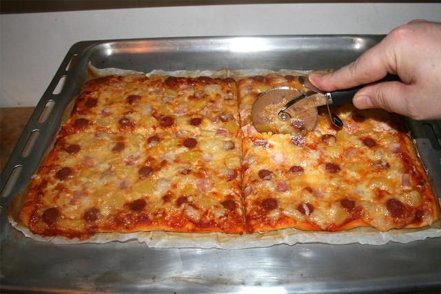 13 - Quarter pizza / Pizza vierteln