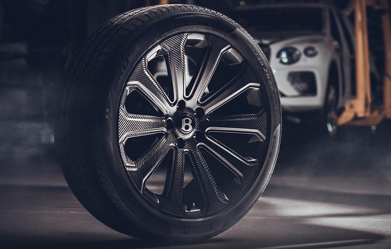 Bentley-Bentayga-Carbon-Fiber-Wheel (1)