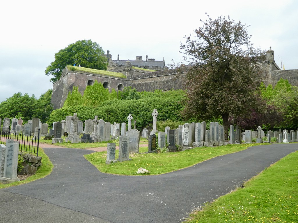 Valley Cemetery, Stirling