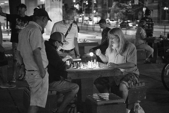 Chess by night.