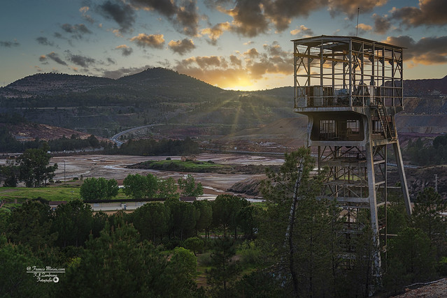 Mining Landscapes :::Sunset in the winch...