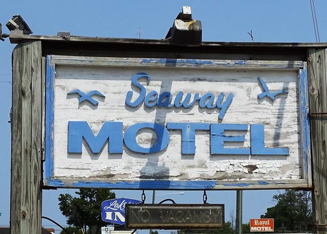 MI, Sault Ste. Marie-U.S. 2(Old) Seaway Motel Sign