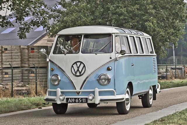 Volkswagen Typ 2 Microbus Deluxe (Samba) 1961 (8428)