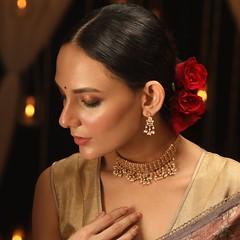 Shop stylish designs of jewelry online