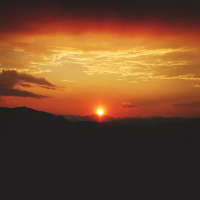 207.365.9 / sunset
