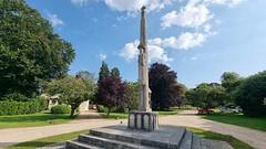 Briantspuddle / Bladen Valley War Memorial