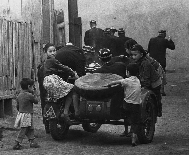 1982. Всем семейством на базар. Самаркандская обл., г. Каттакурган