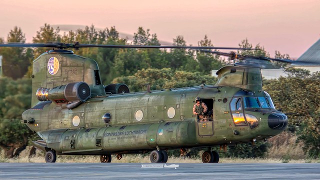 D-102 Boeing CH-47D Chinook