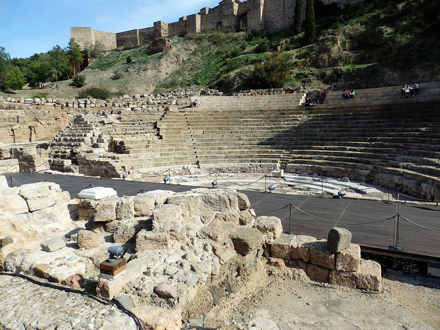 Teatro romano de Málaga y murallas de la Alcazaba - in explore