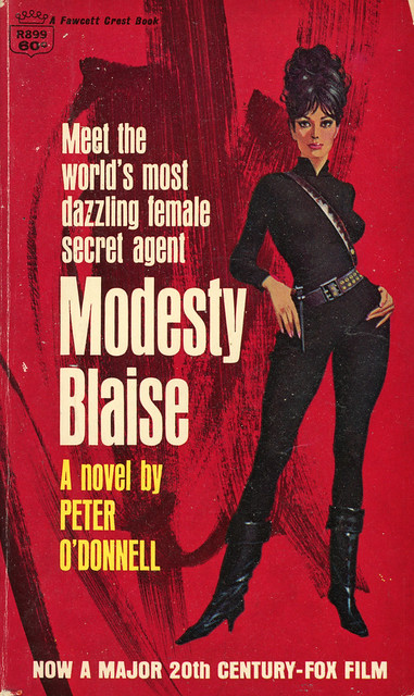 Crest Books R899 - Peter O'Donnell - Modesty Blaise