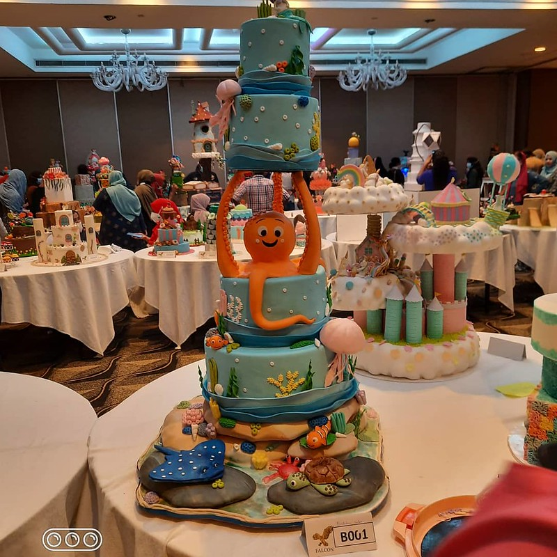 Cake by Yamuna Gamage