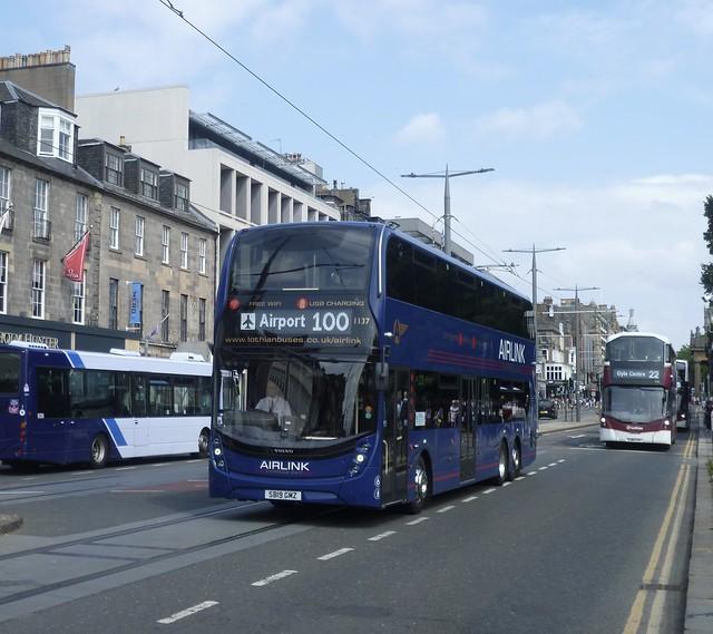 Lothian 1137 westbound on Princes Street, Edinburgh.