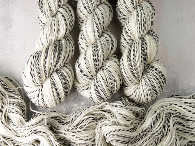 Zebra 4 ply – undyed/natural superwash merino fingering weight yarn 100g