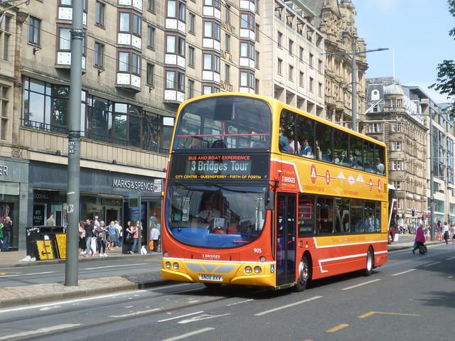 Lothian 905 outbound on Princes Street, Edinburgh.