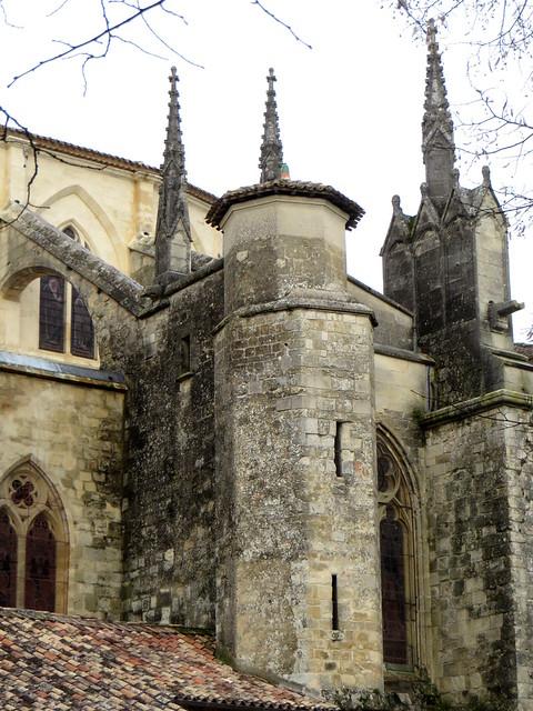 Arcs-boutants et pinacles, cathédrale gothique St Jean-Baptiste, XIIIe-XIVe siècles, Bazas, Bazadais, Gironde, Nouvelle-Aquitaine, France.