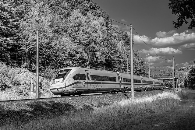 Friedrichsruh ICE 507 HHa - M 412 012-7 sw
