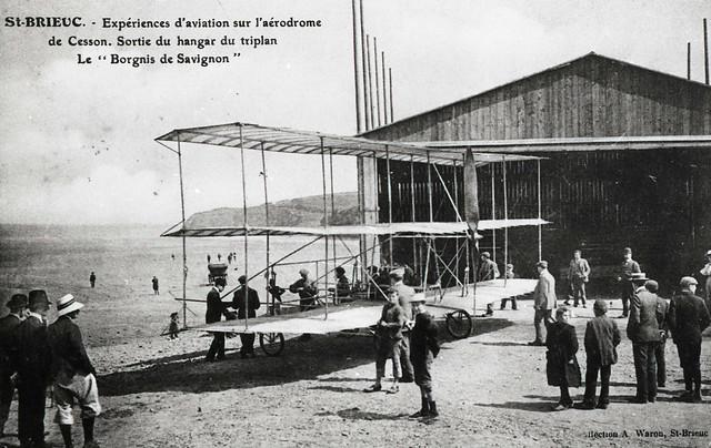 Expériences d'aviation sur l'aérodrome de CESSON Bretagne
