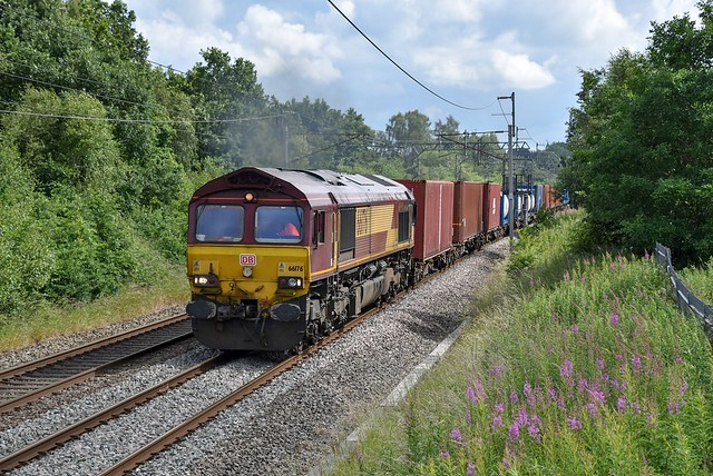 66176 passes Boars Head with 4S35