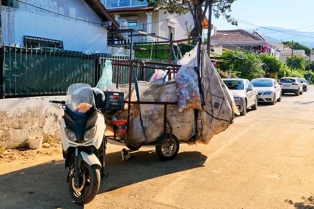 Scrap collector vehicle