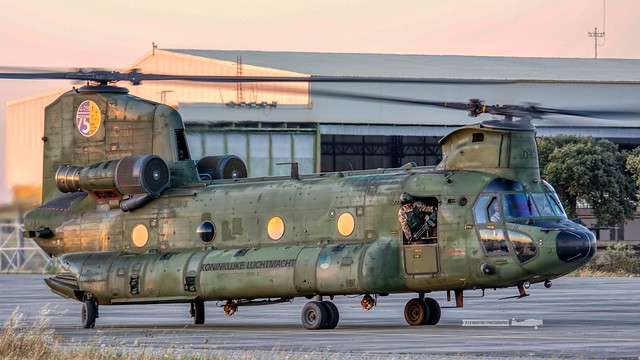 D-101  Boeing CH-47D Chinook