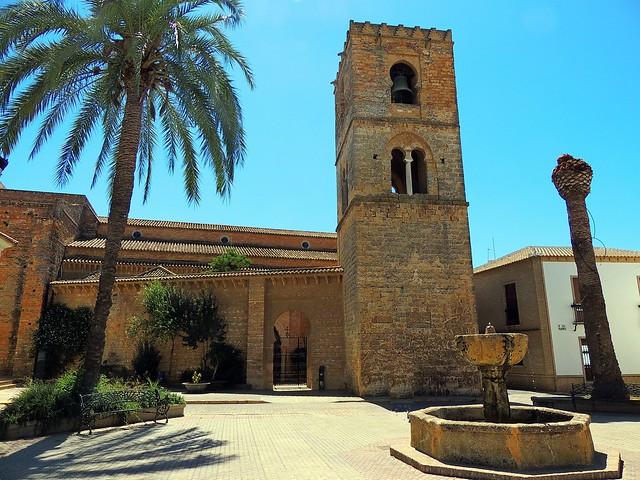 <Iglesia Sta. Mª. de la Granada> Niebla (Huelva)