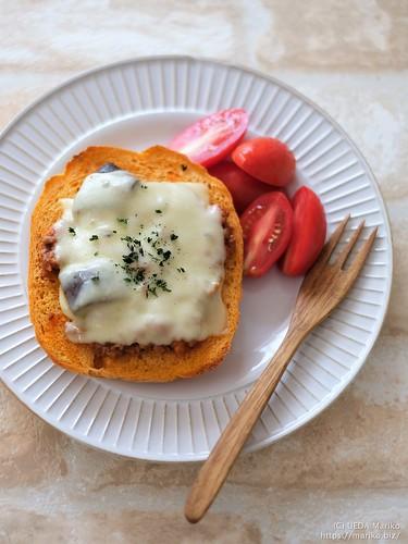 バジル酵母トマトブレッドミートソースピザトースト 20210728-DSCT0994 (2)
