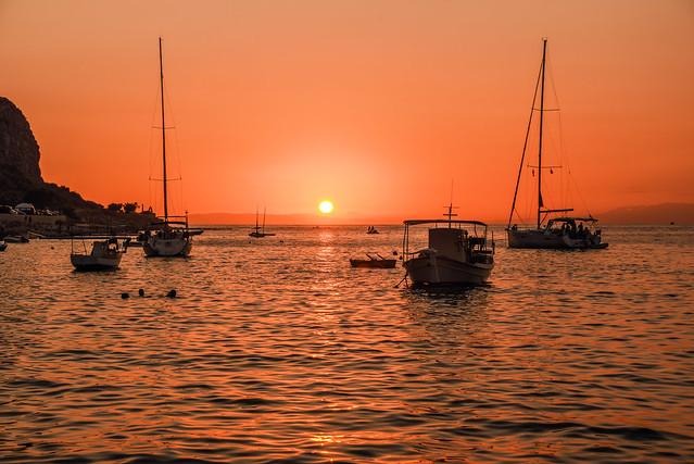 Mani Limeni sunset