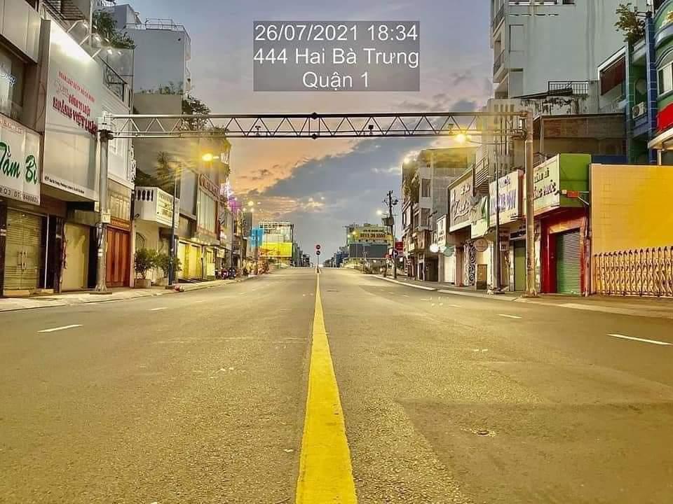 Saigon under lockdown--Hai Ba Trung in District 1