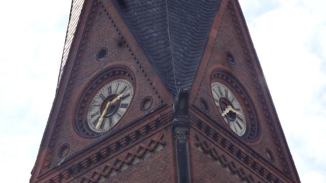 1892/93 Berlin Uhr neoromanische evangelische Immanuel-Kirche von Bernhard Kühn Prenzlauer Allee 28/Immanuelkirchstraße 1 in 10405 Prenzlauer Berg